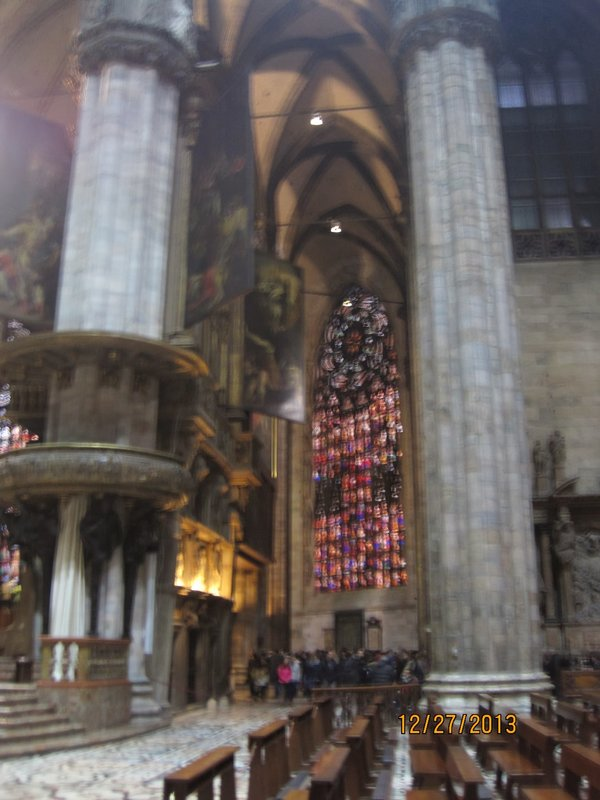 large_Pillars_inside_the_Duomo_.jpg
