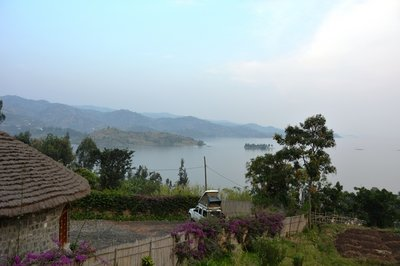 Uitzicht over Lake Kivu, vanaf de campsite bij Gisenyi