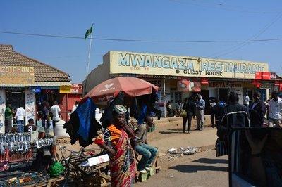 _19_Tanzania-straatbeeld.jpg