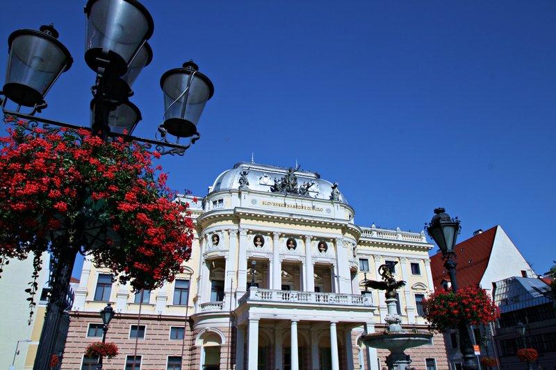 Neo-Renaissance building