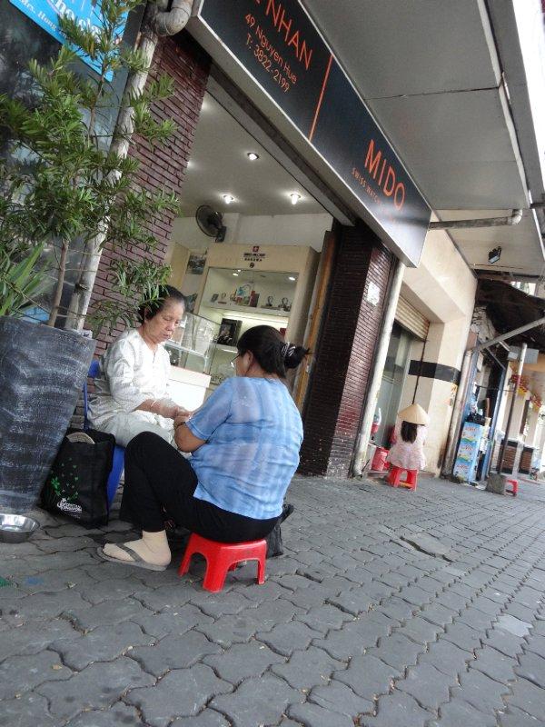 sidewalk manicure