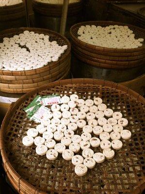 almond flour cakes