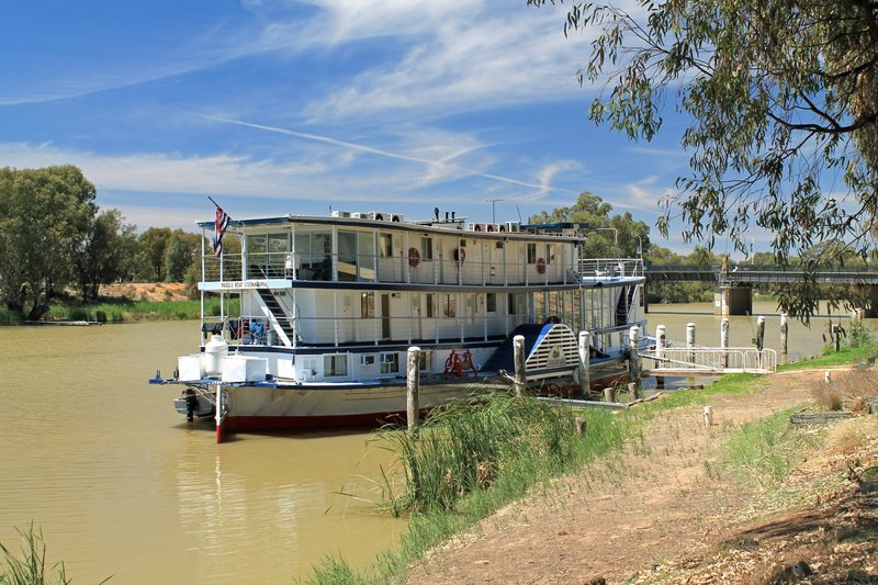"Paddlesteamer ""Coonawarra"" on the Darling River"