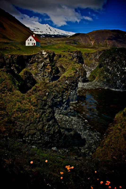 Little House on the Cliffs, Iceland