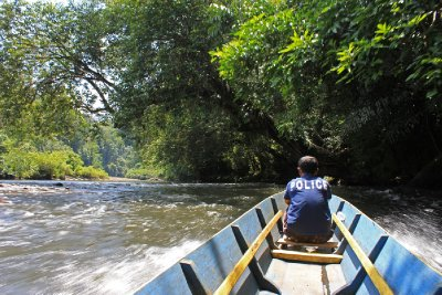 Longboat ride (Ulu Temburong National Park)