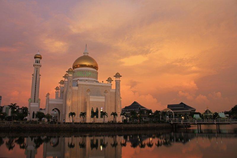 Omar Ali Saifuddin Mosque, Bandar Seri Begawan