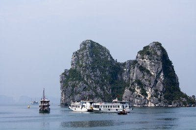 HALONG BAY IV