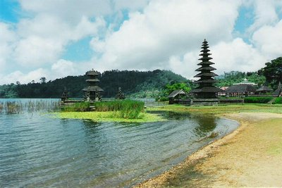 Lake Temple, Bali, Aug 97