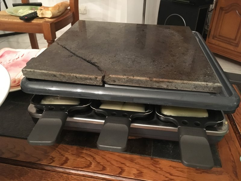 Raclette maker and grill