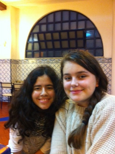 Allanah and Beatriz at Pasteis de Belem