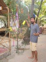 Decorating the x-mas tree in Goa