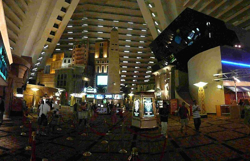 Las Vegas Luxor obelisk