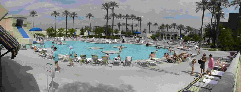 Las Vegas Luxor pool