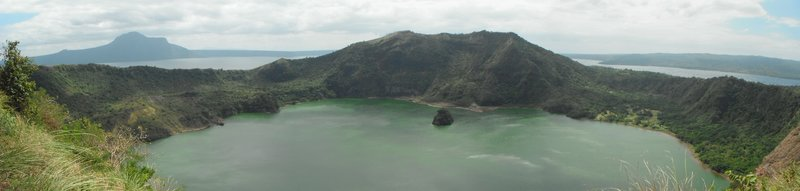 large_Mt_Taal_Panorama.jpg