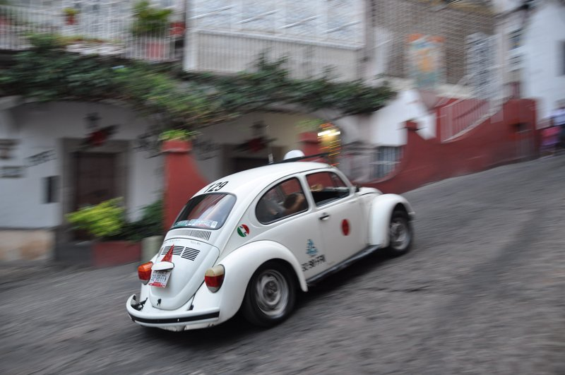 Taxi speeding in Taxco