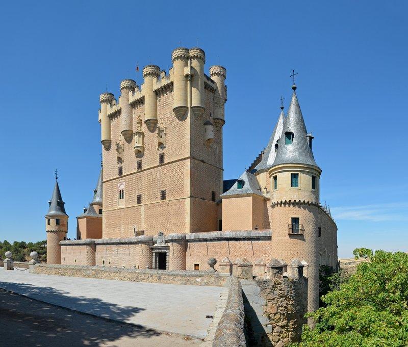 large_Segovia_-_Alcazar_ext_02.jpg