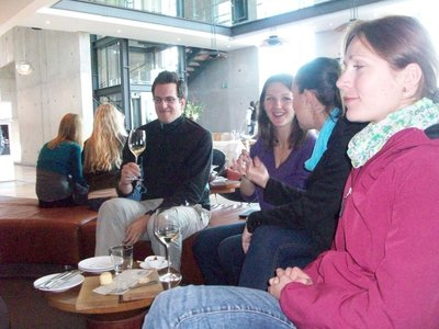 Armin, Inna, Maria und ich beim Fachsimpeln