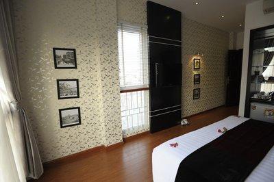 Hanoi Victory Hotel room (7)