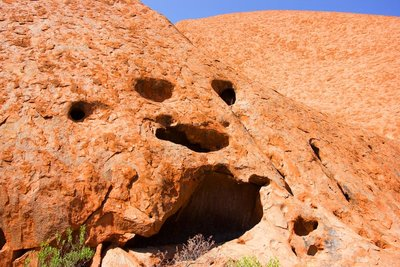The_Face_of_Uluru.jpg