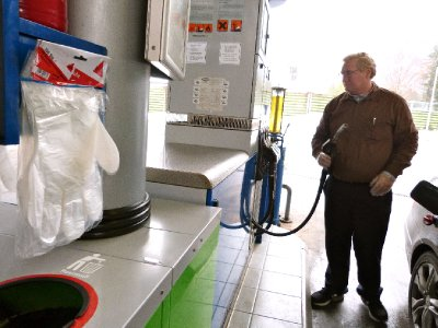 Check this out...plastic gloves at the gas station. Mike Flynn is in heaven.