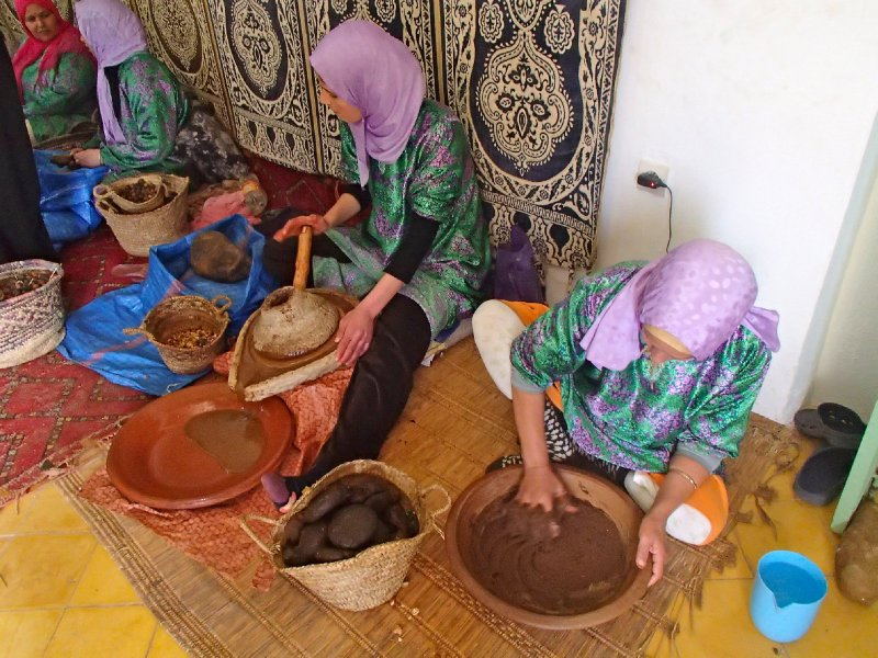 How argan oil is made
