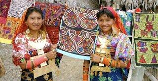 Kuna women, from San Blas Island, Panama, and their beautiful molas.