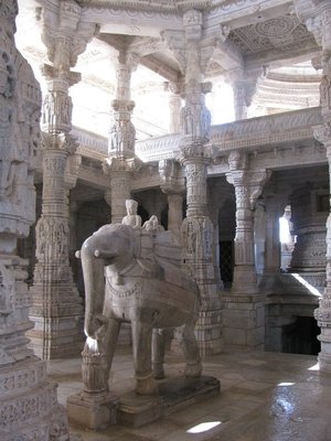Ranakpur Jain Temple - inside