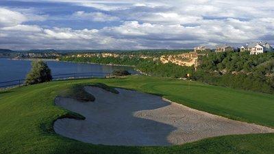 Golfing at the Cliffs Resort