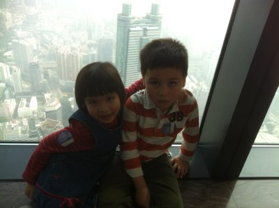 Ellie and Skyler in the tallest building of Shenzhen