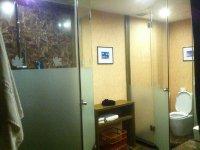 Shenzhen hotel bathroom