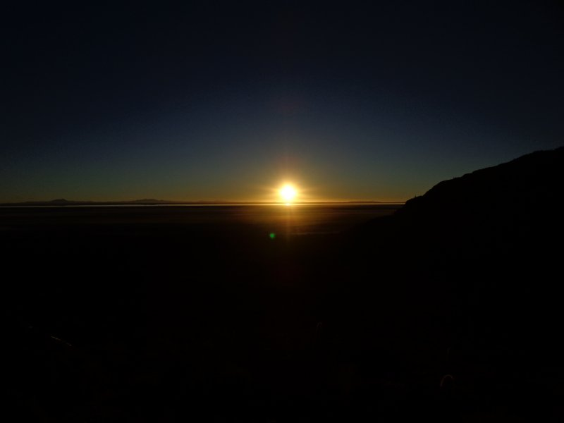 large_sunrise_at..r_de_uyuni3.jpg