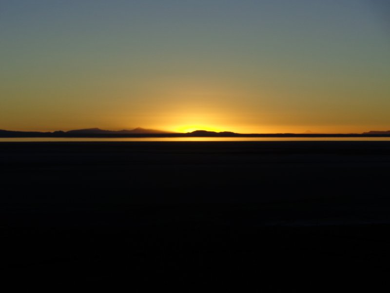 large_sunrise_at_salar_de_uyuni.jpg