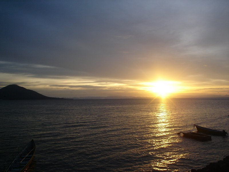 sunrise in Meanguera Island