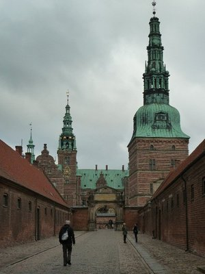 The entrance up to the external courtyard of Frederiksborg Slot