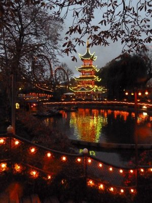The Chinese Pagoda illuminated at night