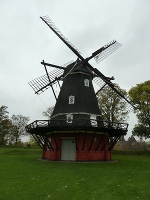 The garrison windmill at the Kastellet