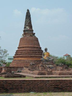 Wat Wora Chet the Ram near Wat Lokayasutharam