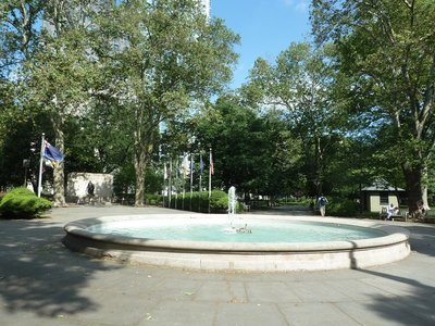The central fountain and Tomb of the Unknown Soldier in Washington Square
