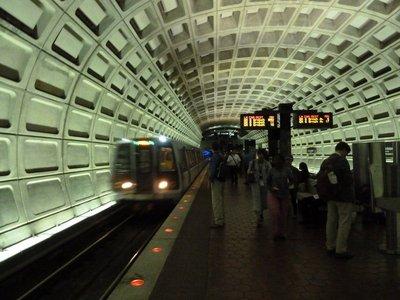 The Washington Metro arrives to take me to the Smithsonian Institute