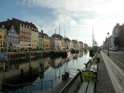 Early morning at Nyhavn