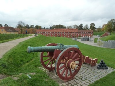 Canon on the ramparts of the Kastellet