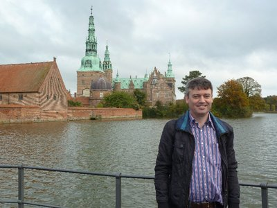 Me outside Frederiksborg Slot