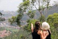 Jess_and_M..king_Kigali.jpg
