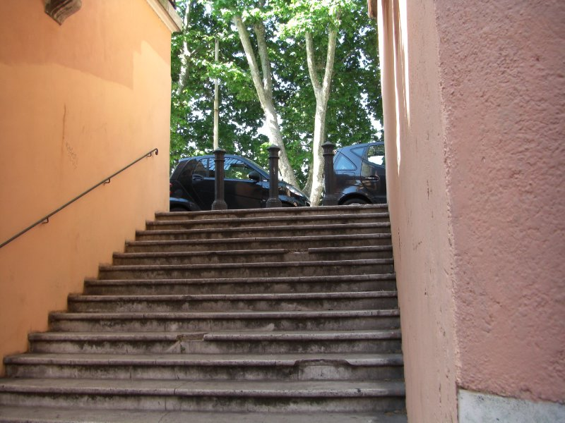 Steps to the Lungotevere