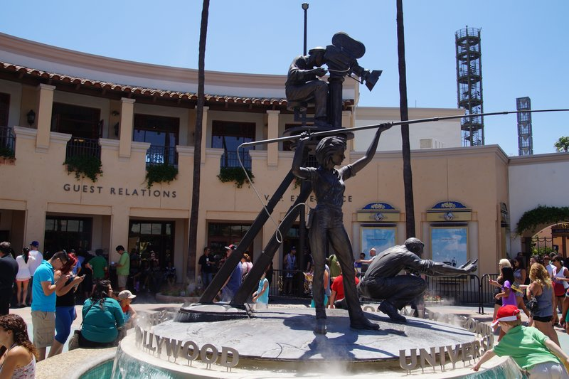 Statue inside the entry to Universal Studios