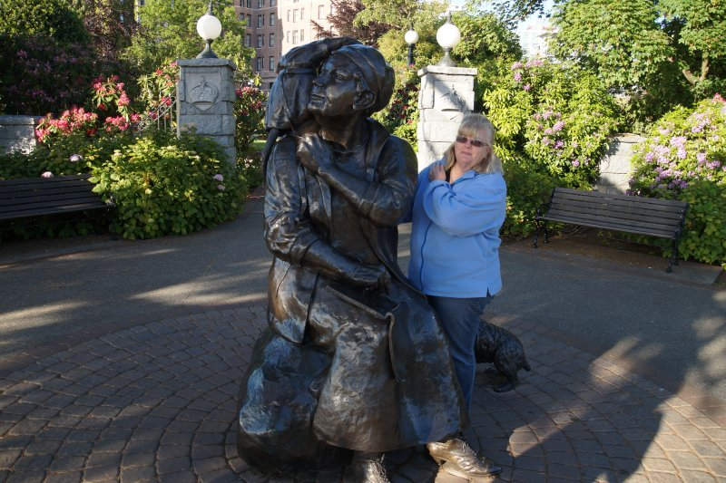 Colleen at Emily Carr statue