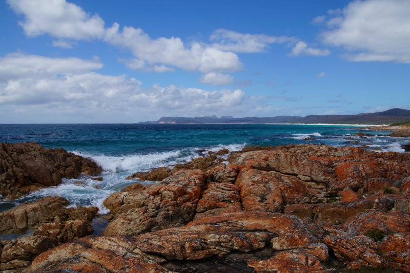 Friendly Beaches, Freycinet Peninsula looking south