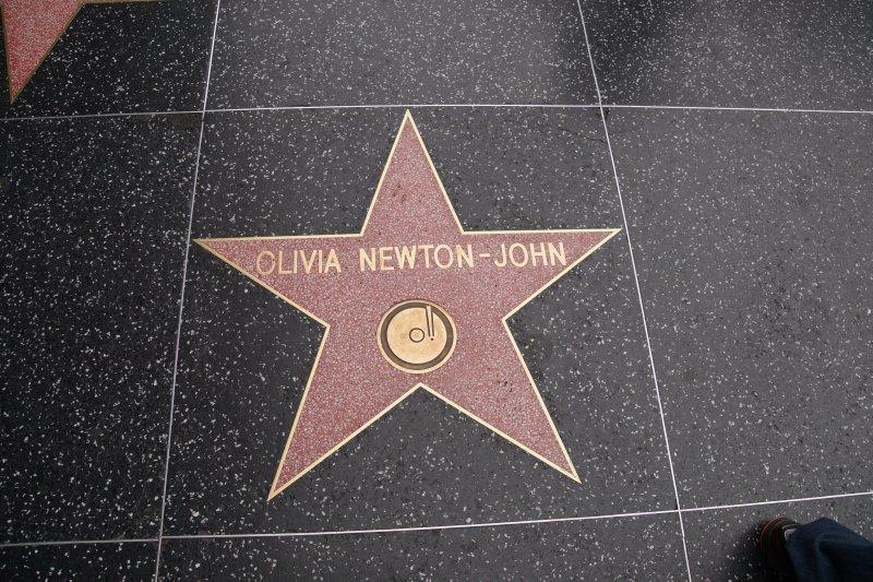 Hollywood Boulevard - Olivia Newton-John