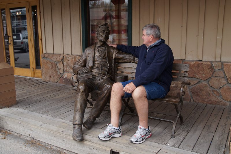 Jackson public artwork - A  Lincoln with admirer