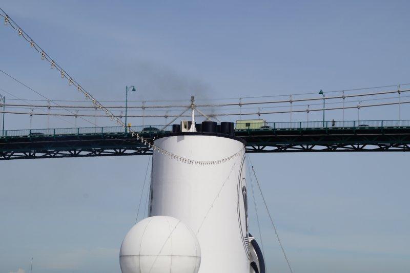 Leaving Vancouver on Wednesday Liongates Bridge